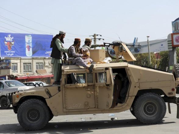 Кабульский аэропорт вновь открылся - СМИ