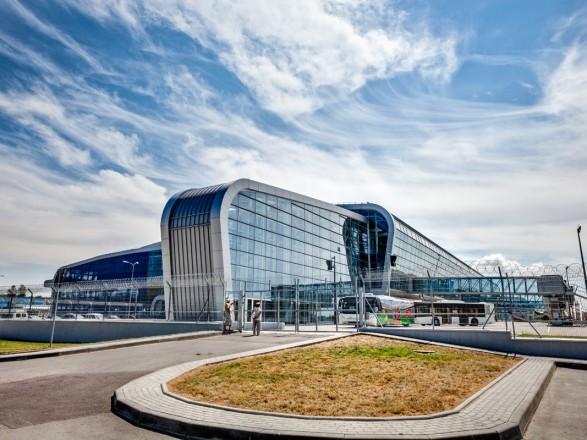Во львовском аэропорту самолет Wizzair, летевший из Кипра, совершил аварийную посадку