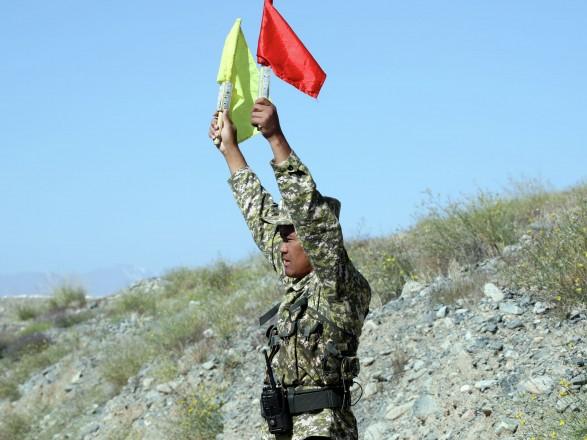 Президент Таджикистана на праздновании 30-летия независимости призвал войска быть начеку на фоне ситуации в Афганистане