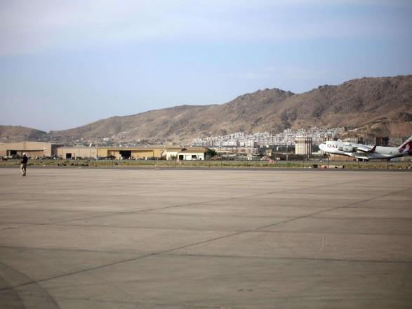 СМИ: в аэропорту Кабула приземлился самолет ВВС Казахстана для эвакуации 200 граждан США