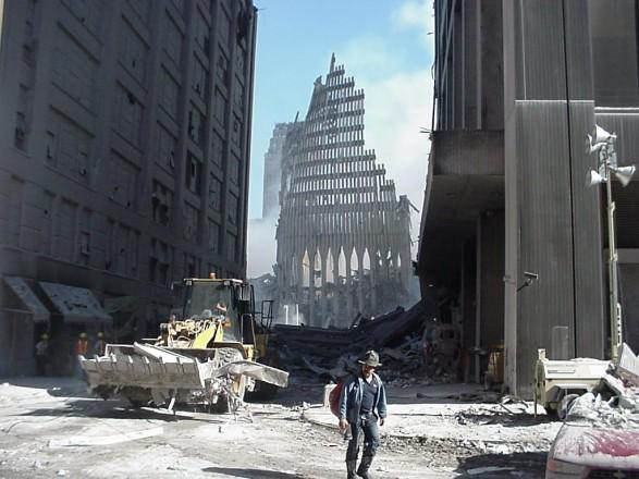 Президент США в годовщину атак 11 сентября призвал сограждан к единству