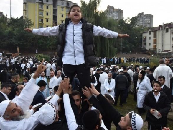 В Израили сообщили о более чем 1400 случаев COVID-19 среди вернувшихся из Украины хасидов