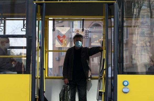 Общественный транспорт во время локдауна закрывать не планируют