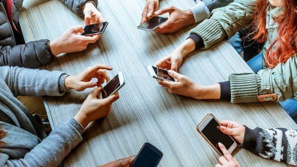 Казахстан ограничит использование иностранных социальных сетей