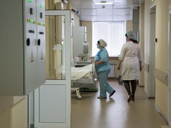 """Медики: на фоне всплеска COVID-19 НСЗУ продолжает игнорировать выплаты """"ковидных"""" пакетов больницам"""
