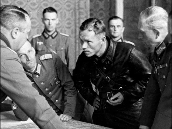 """МИД России назвал вторжение Красной армии в Польшу """"освободительным походом"""". В Кремле заявили, что """"не видели"""" это сообщение"""