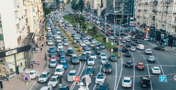 Вторник в Киеве начался с пробок: где затруднено движение