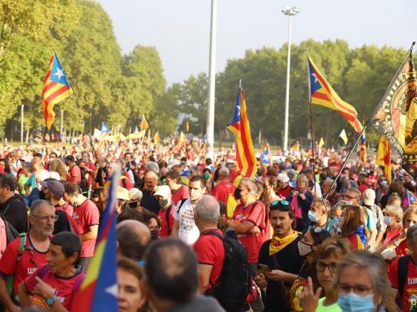 В Барселоне сторонники независимости Каталонии вышли на улицы города