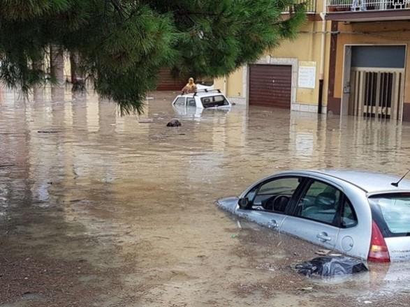 В Италии из-за сильных ливней и наводнений приостановили местные выборы