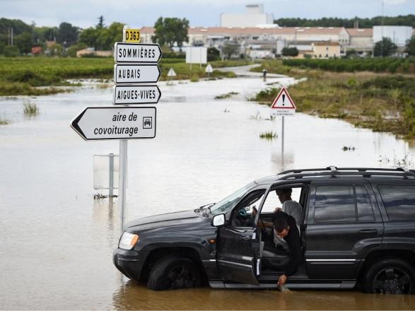 В шести департаментах Франции объявили повышенный уровень тревоги из-за сильных дождей