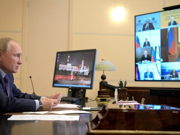 """Путин утверждает, что Россия """"перевыполнит"""" в этом году условия контракта с Украиной о транзите газа"""