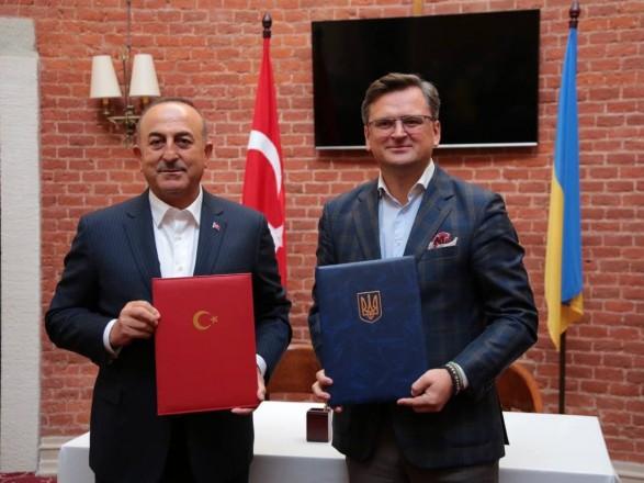 Главы МИД Украины и Турции обсудили производство «Байрактаров». Анкара также заинтересована в возможностях «Антонова»