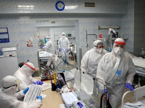 В России зафиксировали новый антирекорд суточной смертности от коронавируса - 936 человек