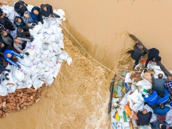 Наводнение в Китае: эвакуировано почти два миллиона человек