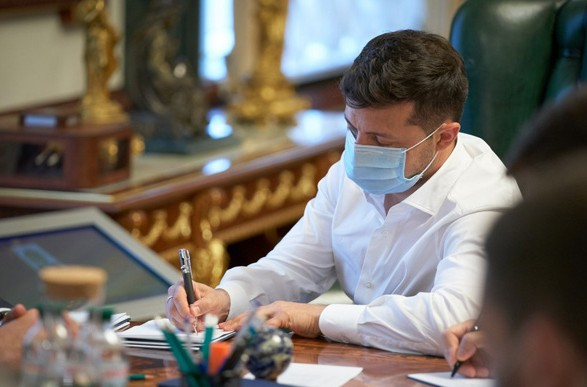 В Украине упростят закупку инновационных препаратов. Президент подписал закон