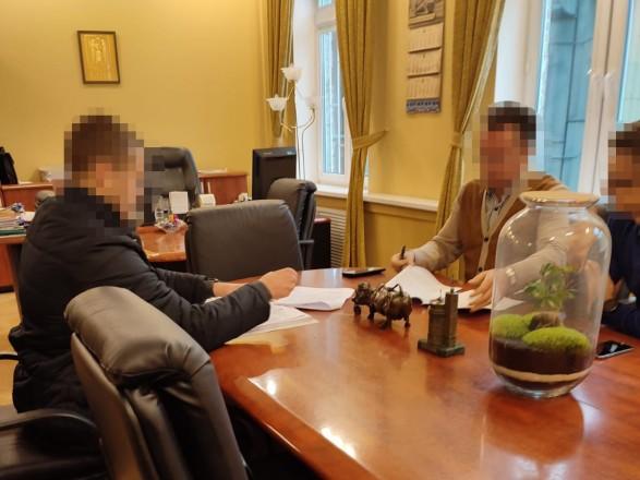 """Более 22 млн грн убытков на аренде кинотеатра """"Киев"""": подозрения сообщили чиновникам КГГА и директору """"Киевкинофильма"""""""