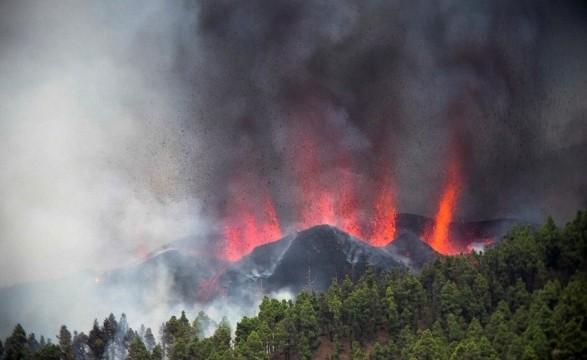Извержение вулкана в Испании: жителей эвакуируют