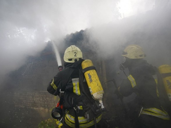 На территории столичного института урологии произошел пожар, эвакуировали 15 человек