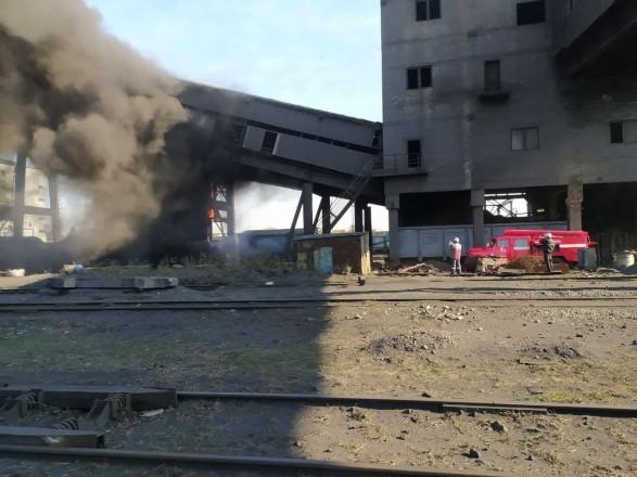 Пожар произошел на коксохимическом заводе в Авдеевке, обошлось без жертв