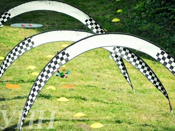 Фестиваль дронів та Чемпіонат Східної Європи з дрон-рейсингу стартували в Ужгороді - фото 3